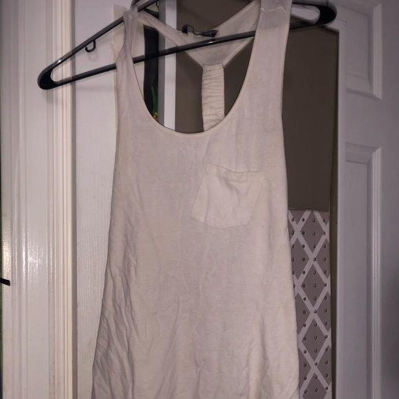 Tops - White tank top with intricate back